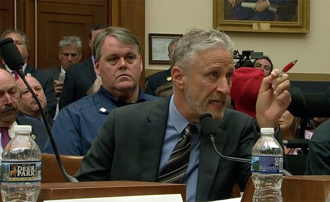 Comediante Stewart indignado con el Congreso